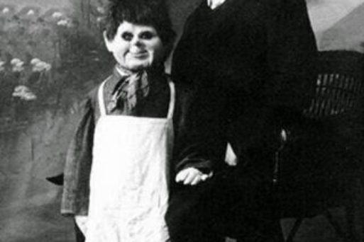Conheça o Ventríloquo que Usava Cadáver de Menino como Boneco