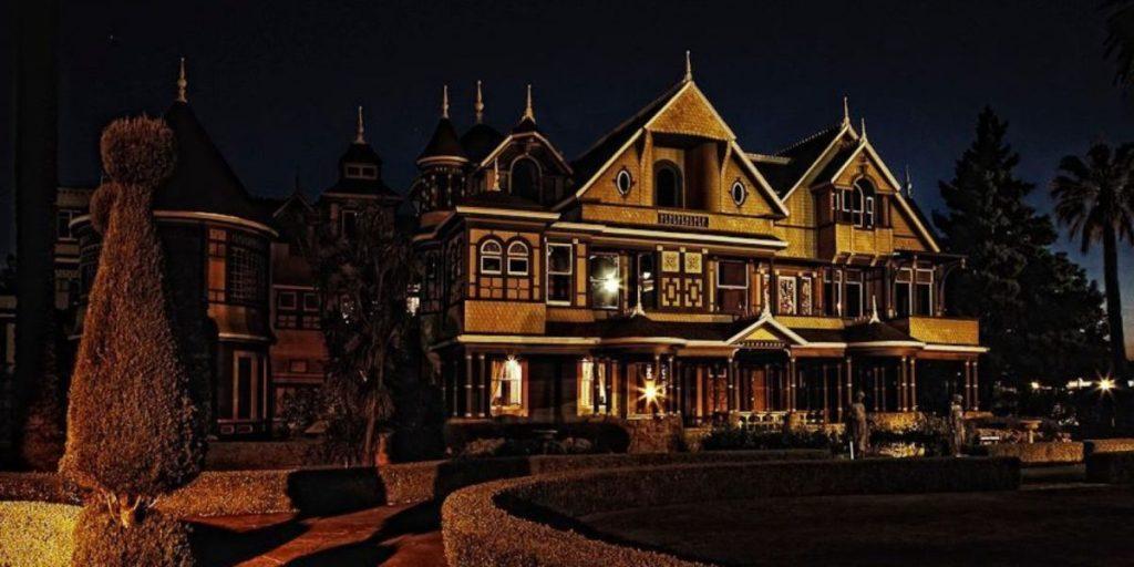 mansão winchester noite