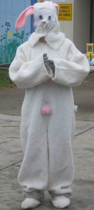 Os 34 Coelhinhos da Páscoa Mais Assustadores de Todos os Tempos 1