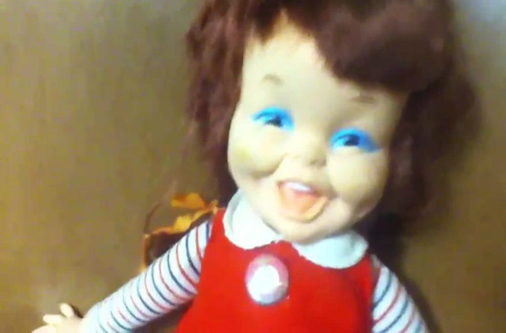 A Boneca Baby Laugh a Lot | Conheça a Boneca da Risada Demoníaca