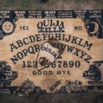 Ouijazilla | Conheça o maior Tabuleiro Ouija do Mundo