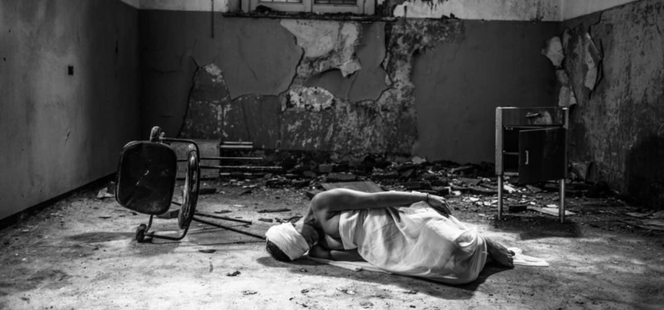 O Choro no Quarto ao Lado história de terror mundo sombrio