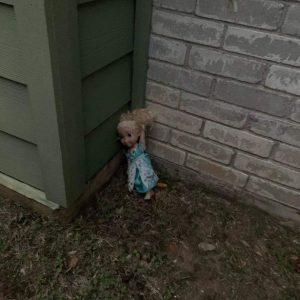 boneca-frozen-elsa-assombra