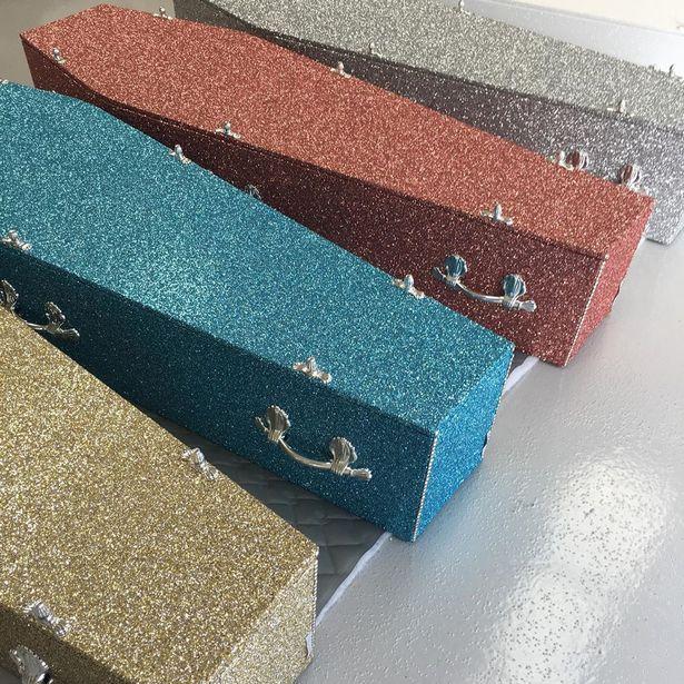 Caixões com Glitter | Que tal deixar seu funeral reluzente e extravagante?