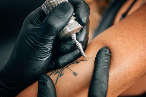 Que tal manter as Tatuagens e a Pele de um ente querido quando ele morrer?