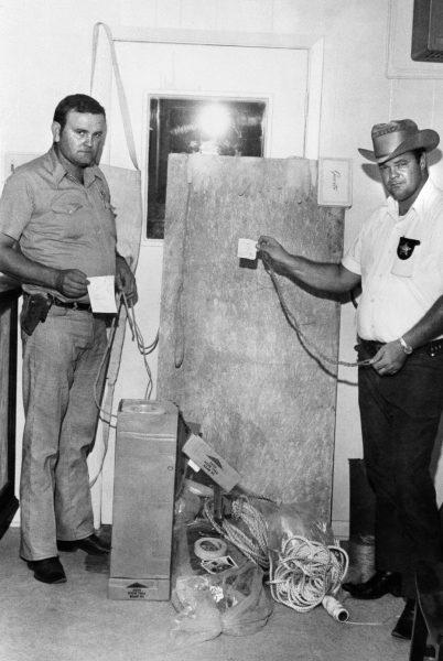 A prancha de tortura usada pelo verdadeiro candyman para torturar e matar suas vítimas sexuais