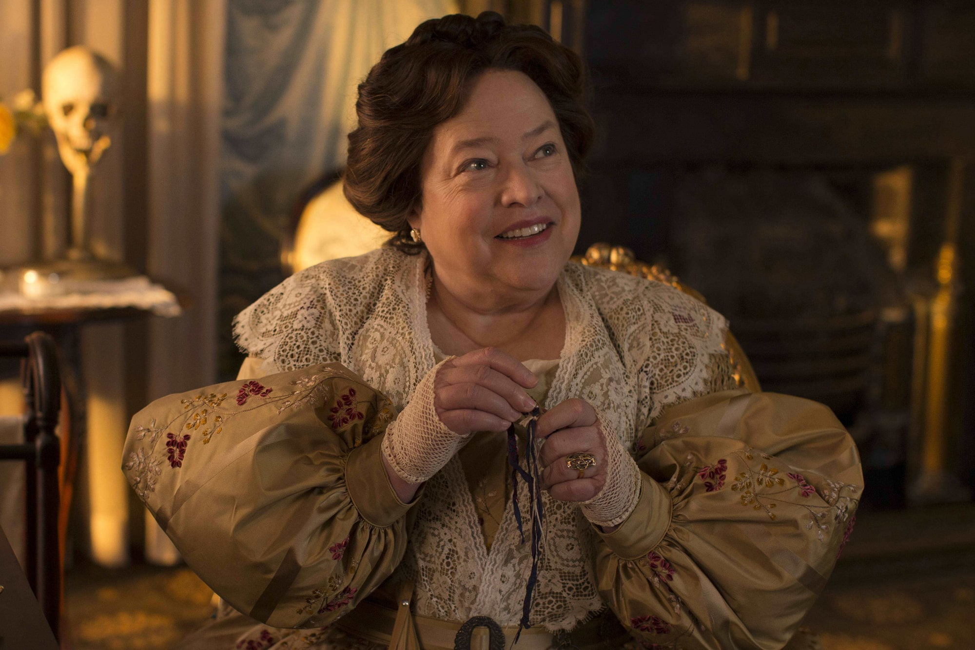 madame lalaurie delphine lalaurie american horror story coven kathy bates mundo sombrio