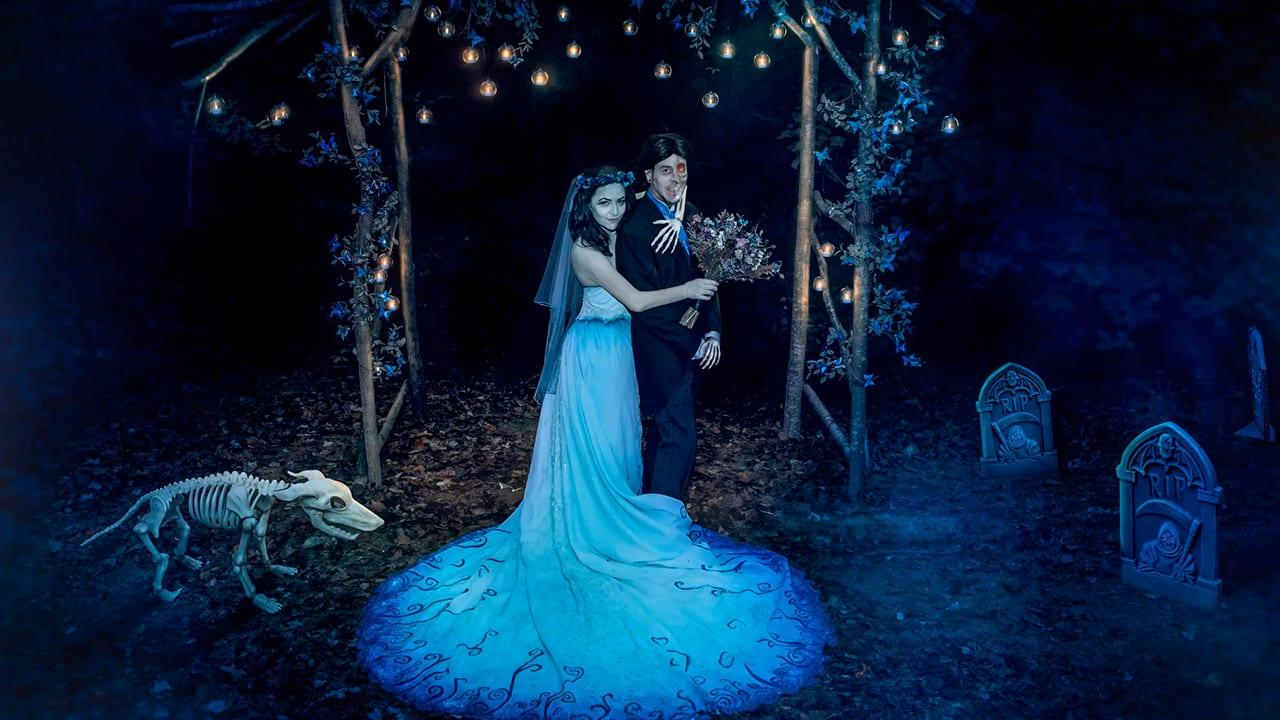 Casal fica famoso após realizar casamento com o tema de 'A Noiva Cadáver'