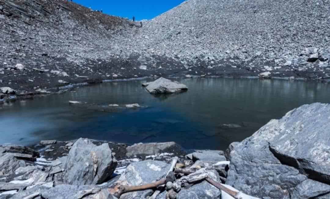 Lago roopkund, o lago dos esqueletos que ainda é um mistério para os cientistas