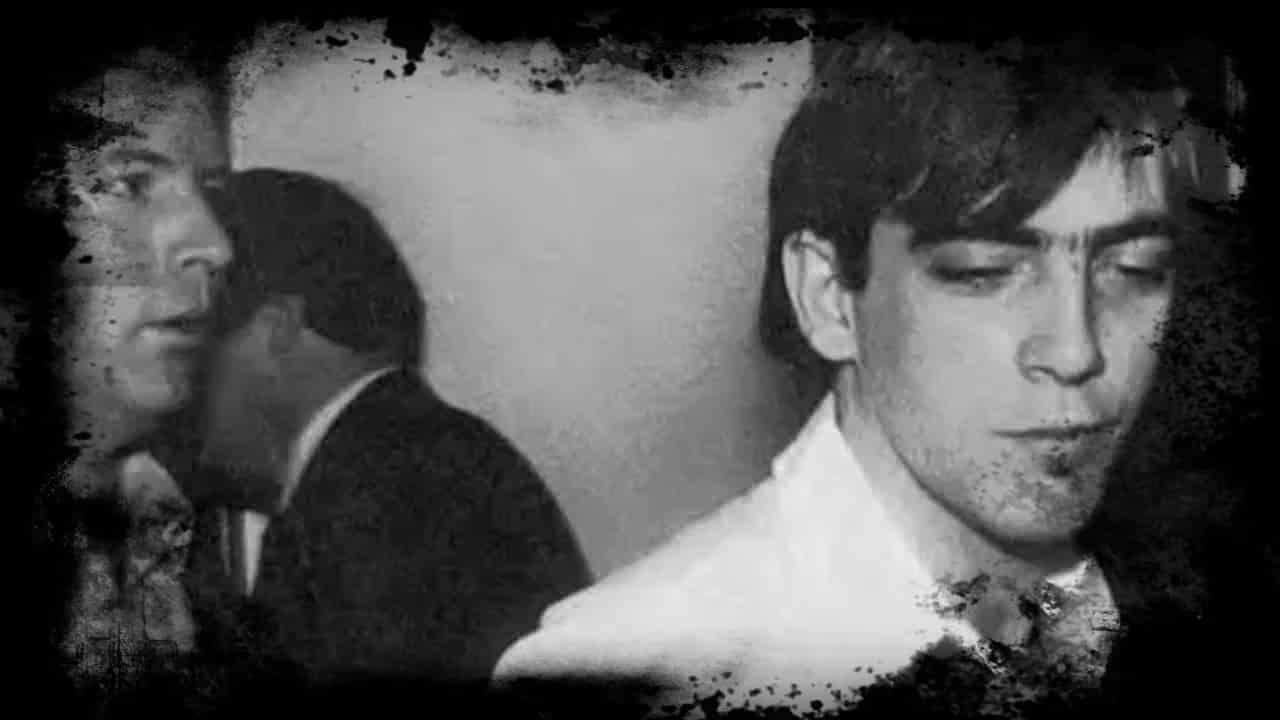 A Maldição do Túmulo de Johnny Frank Garrett mundo sombrio