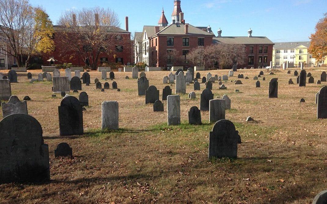 Alguns dos cemitérios mais assombrados do mundo  cemitério howard street, salem, massachusetts