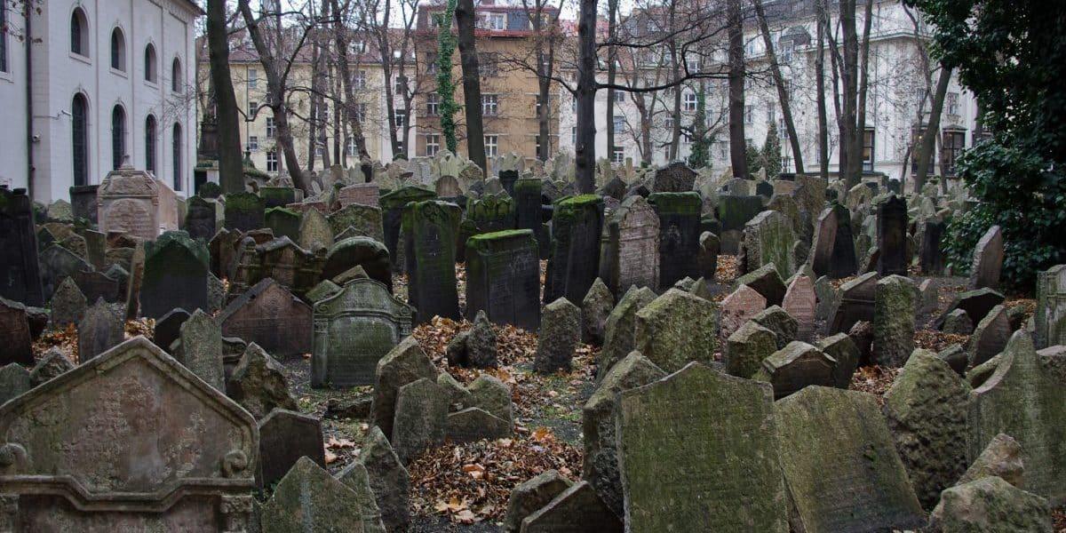 Antigo cemitério judaico, praga alguns dos cemitérios mais assombrados do mundo