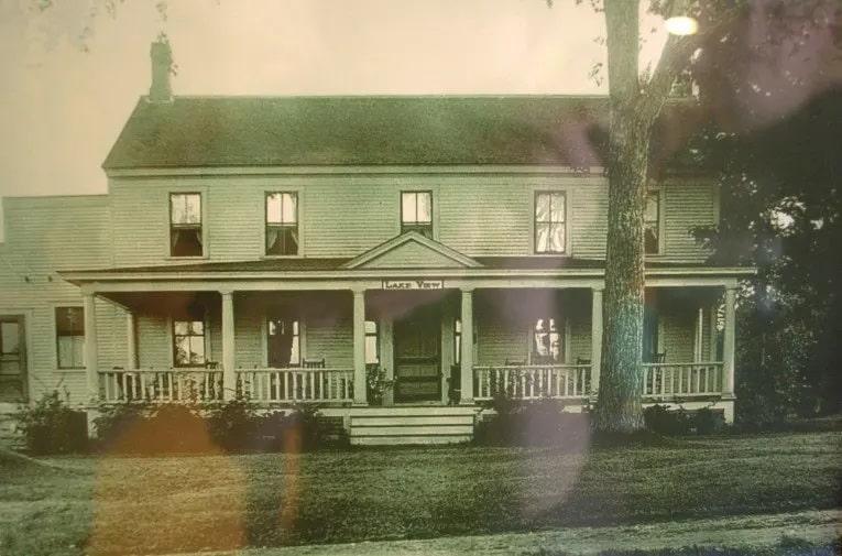 Casa na fazenda dos irmaos eddy • mundo sombrio