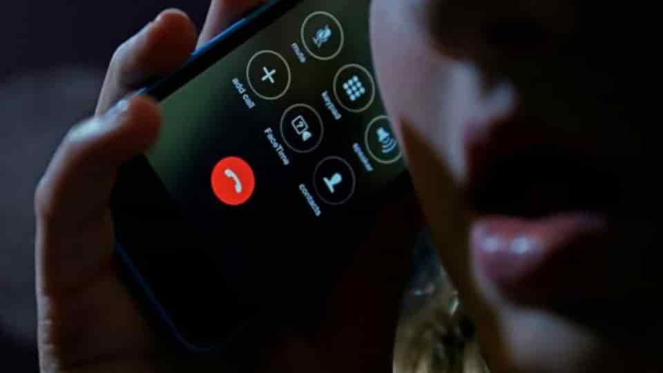 Esposa Falecida supostamente Visita e Contata marido via SMS