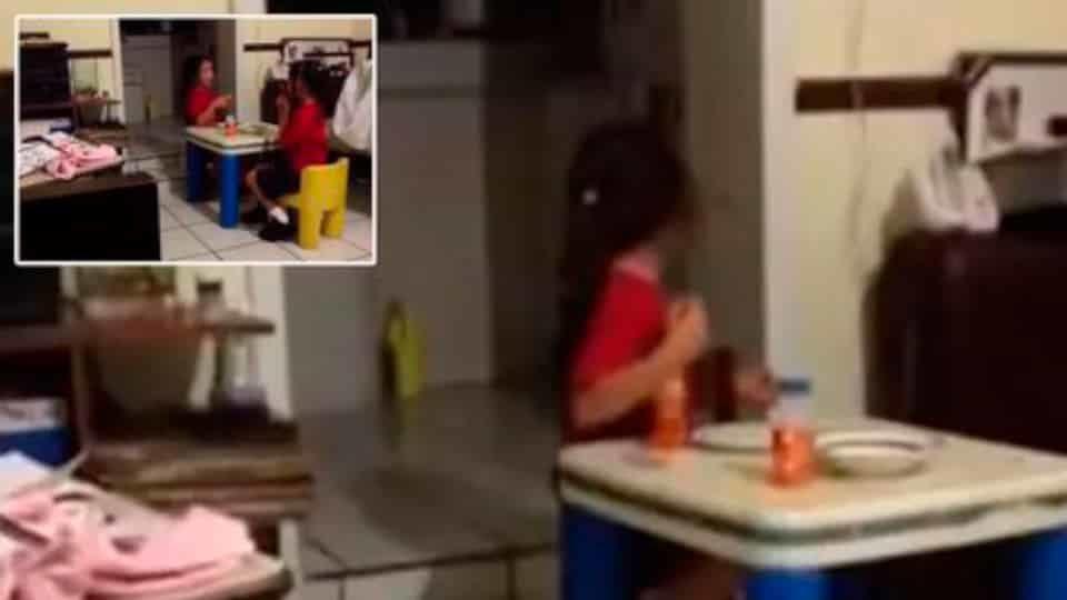 Vídeo arrepiante mostra garotas gritando de terror por causa de algo 'sobrenatural' na cozinha escura