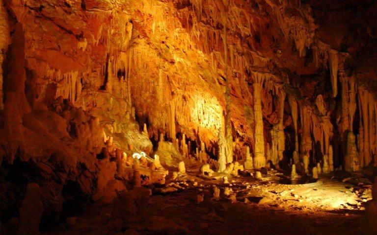 Portões do inferno - caverna de diros - península de mani, grécia