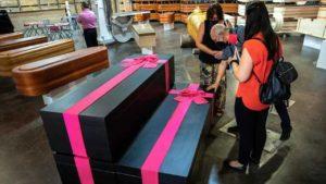 Funerária lança caixões inspirados em round 6, fenômeno de audiência da netflix